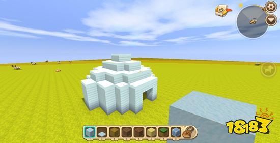 迷你世界是一款高度自由的休閑類3D沙盒游戲,這是國產沙盒游戲,通過玩家破壞方塊與創造方塊來組合成屬于自己的建筑以及與小伙伴們一起進行大冒險。迷你世界雪地小屋教學,迷你世界雪地房子教學。有很多小伙伴玩生存和喜歡在雪地中發展,今天就來教大家做一個迷你世界的雪地小屋~非常簡單,而且又好看哦~ 因為是在雪地中的雪屋,所以材料很簡單,只要雪和冰就行了~ 1.