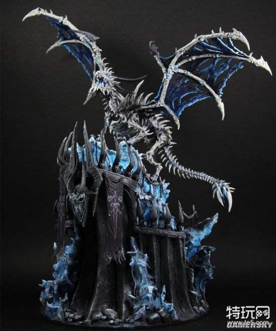 玩家手工制作《wow》冰霜巨龙雕像 夜光龙翼超拉