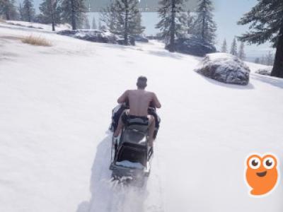 《绝地求生》雪地专属载具开雪地摩托怎么样 雪地摩托体验效果分享