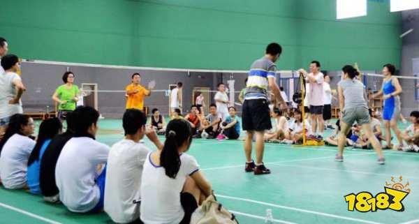 哪种球类运动速度最快 是网球还是羽毛球比较快